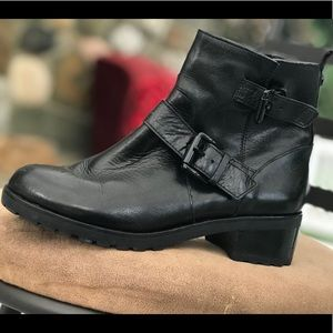 Michael Kors black leather ankle boots size 7